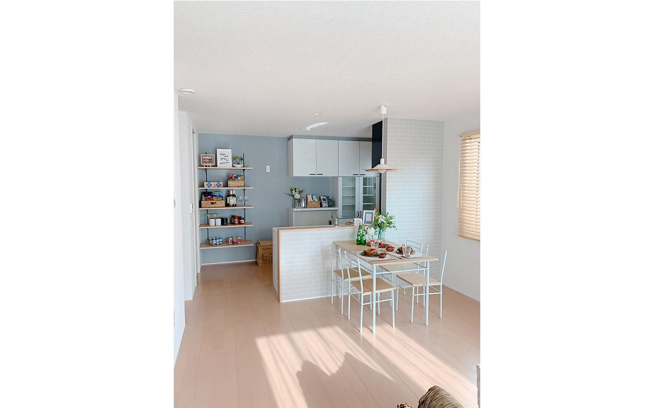 キッチンの棚は見せる収納